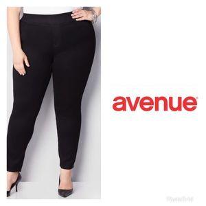 Avenue Butter Denim Skinny leg pull ons